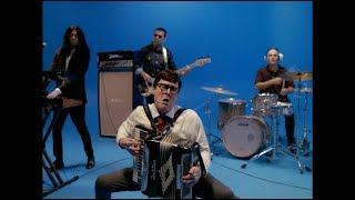 Gambar cover Weezer - Africa (starring Weird Al Yankovic)