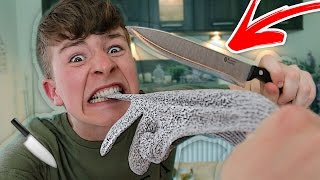 THIS GLOVE IS UNRIPPABLE!!! *(IMPOSSIBLE CHALLENGE)* 🔪😱