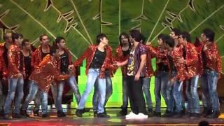 Shahid kapoor, Prabhudeva & Priyanka Chopra performing At iifa Awards 2012