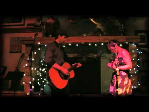"Gina Belliveau feat. Andrew Norsworthy - ""I'll be Home for Christmas"""