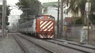 preview picture of video 'English Electric 1405 pasando por Adrogué.'