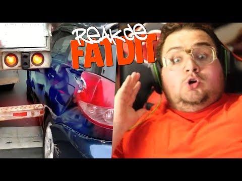 NÁKLAĎÁK MU ZNIČIL AUTO!!