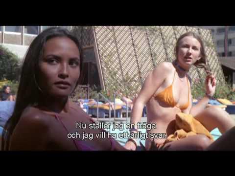 Italiano cinema attrice Laura Gemser in costume da bagno rosa