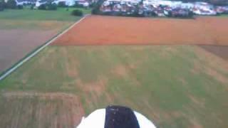 preview picture of video 'Flugvideo mit Modellflugzeug bei München / Gräfelfing (Test der FlycamOne3)'