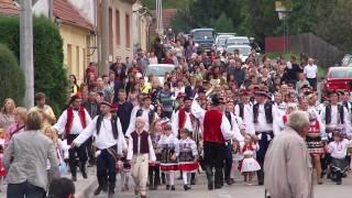 preview picture of video 'Lelekovice Hody 25.9.2010 - Průvod obcí'
