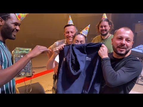 Как поздравили Я. Сумишевского с днём рождения его музыканты гр. Махор-Бэнд. Что подарили?