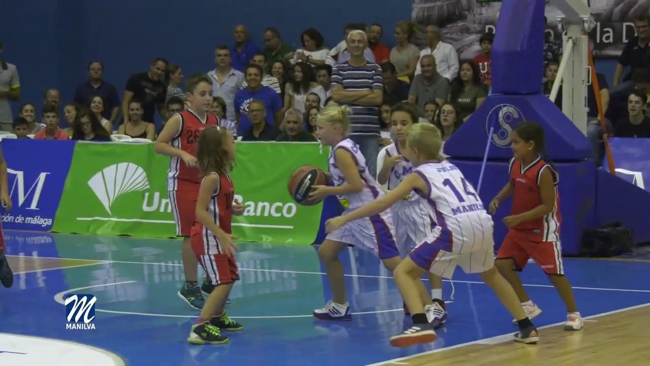 Dos jugadores del Manilva Basketbase en la Fiesta Premini de Benahavís