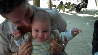 Maman Tickling Kid Baby