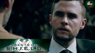 Extrait (Spoiler) - Fitz prouve son allégeance... (VO)
