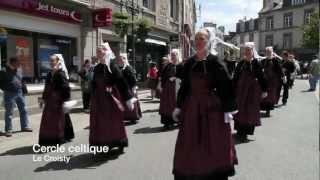 preview picture of video 'Quic en Groigne - 60 ans - Défilé dans Saint-Servan, Saint-Malo'