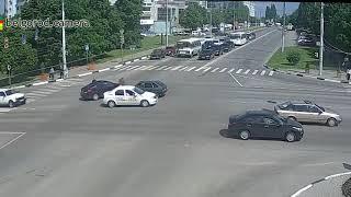 Небольшое ДТП на Костюкова - пр-т Ватутина. 22/05/2018.