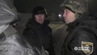 В полиции показали, как задерживали сына, отрезавшего гениталии отцу в Доманевке. ВИДЕО