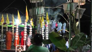 preview picture of video 'Loi Krathong, Wat Tua Tong, Pathum Thani, Thailand'