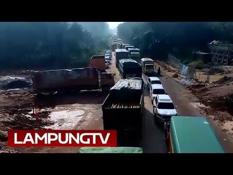 Jembatan Mesuji Ambrol: Ribuan Kendaraan Masih Terjebak