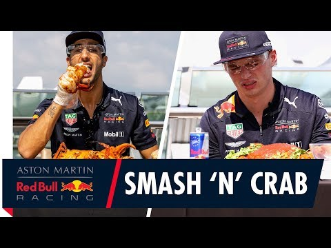 Daniel Ricciardo and Max Verstappen do a Smash 'N' Crab job on Singapore