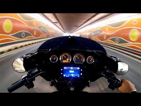 Cruising on a Harley Davidson | FREEDOM Ride