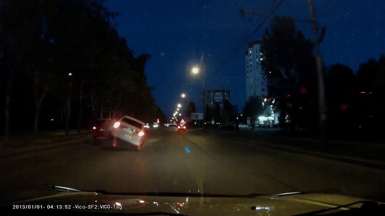 Врезался и перевернулся автомобиль в Пензе