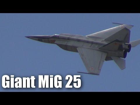huge-mig-25-rc-jet
