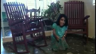 preview picture of video 'La mujer más pequeña de Cuba mide 68 centímetros'