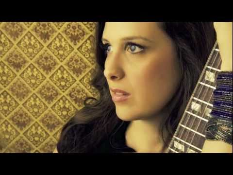 """Novel"" Sarah Siskind Album Preview"
