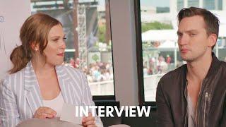 Eliza Taylor & Richard Harmon - 21/08/19 - The CW - VOSTFR
