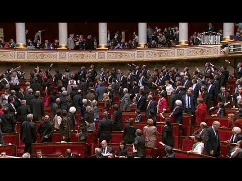 Vive la France: Парламент Франции узаконил однополые браки