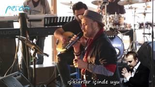 Harun Kolçak - Yanımda Kal (canlı Performans)