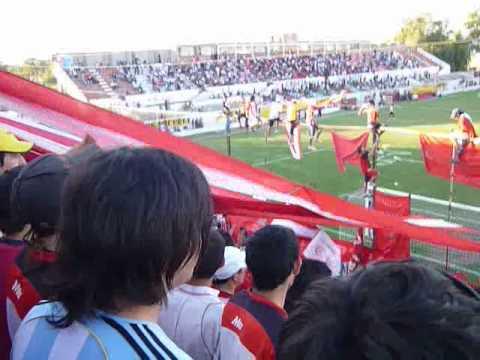 """""""la banda del chacarero.avi"""" Barra: Los Leones del Este • Club: San Martín de Mendoza"""