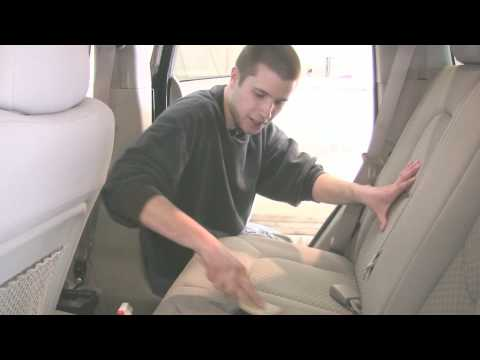 Auto Detailing : How to Clean Upholstery in a Car With Home Remedies