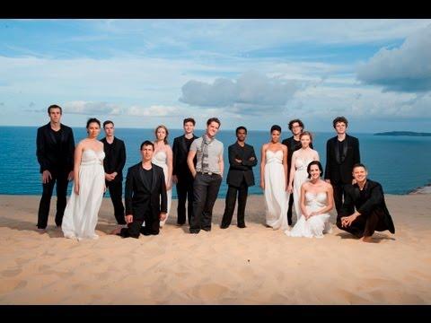 Aussie Choir Sings Facebook Status Updates