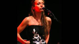 Fiona Apple - Slow Like Honey (Amazing Live version!!)