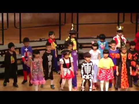 (Super Simple Songs: Halloween)Knock Knock Trick or Treat! vs. Give Me Something Good to Eat