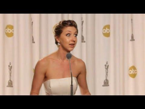 Jennifer Lawrence Oscars 2013 Press Conference UNSEEN FOOTAGE