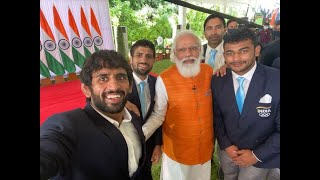 PM Narendra Modi's Day Out With Tokyo Olympians
