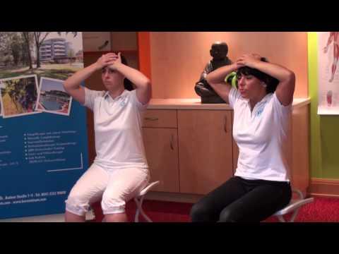 Schmerzen im Nacken und Schultergelenk Händen