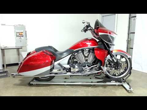 2015 Victory Cross Country Magnum in Eden Prairie, Minnesota - Video 1