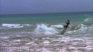 preview picture of video 'Tarifa, Spain: Beaches, Kitesurfing and Day Trip to Morocco'