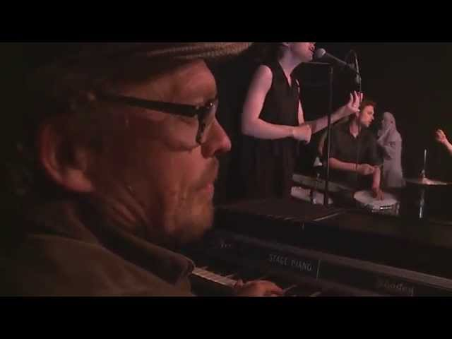 BUGGE & FRIENDS –   DO IT