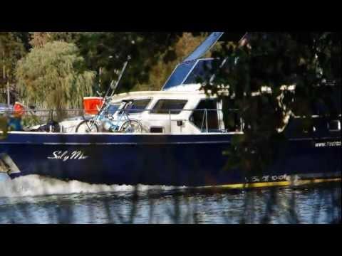 Mit dem Hausboot durch die Fürstenberger Seenlandschaft