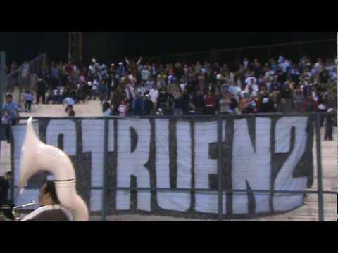 """la banda de la revo en la cancha"" Barra: Furia Celeste • Club: Deportes Iquique"