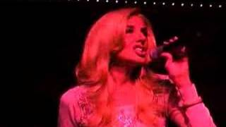 Faith Hill Sings The Lucky One At The Imperial Palace