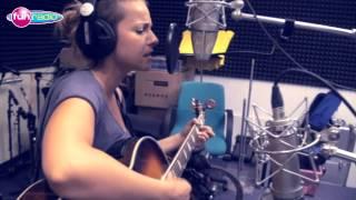 Katka Knechtová   Za Tebou (live@Fun Radio)