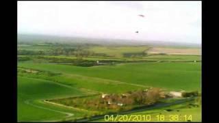 preview picture of video '2010-04-20 Liddington Paragliding'