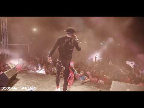 Diamond Platnumz - Performing live  Wasafi Festival Dodoma ( MOTO)