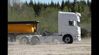 Scania R560 V8 With Tipp Trailer