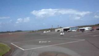 preview picture of video 'Helicopter Landing at Kahului Heliport'