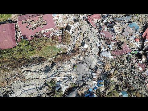 Ινδονησία: Πάνω από 1.300 οι νεκροί από τον σεισμό και το τσουνάμι…