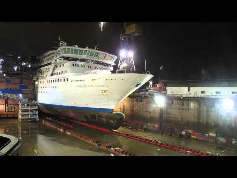 Corte y alargamiento de un crucero.