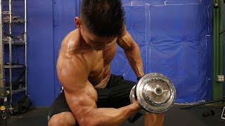 如何在家裡建立更大的二頭肌 - 五頭肱二頭肌鍛煉 出處 SixPackAbs.com