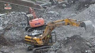 Genova, crollo ponte Morandi: proseguono gli scavi dei Vigili del Fuoco